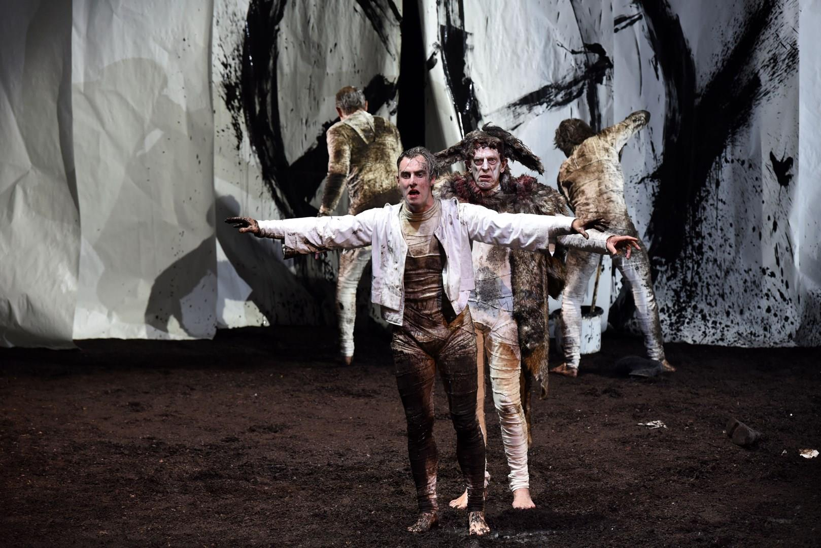 TYLL-Premiere am Staatstheater Wiesbaden